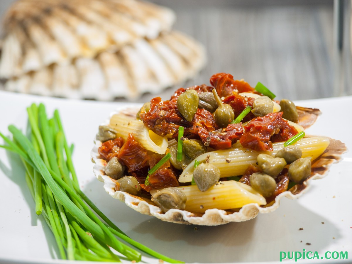 Pasta with Sundried Tomatoes, Capers and Tuna