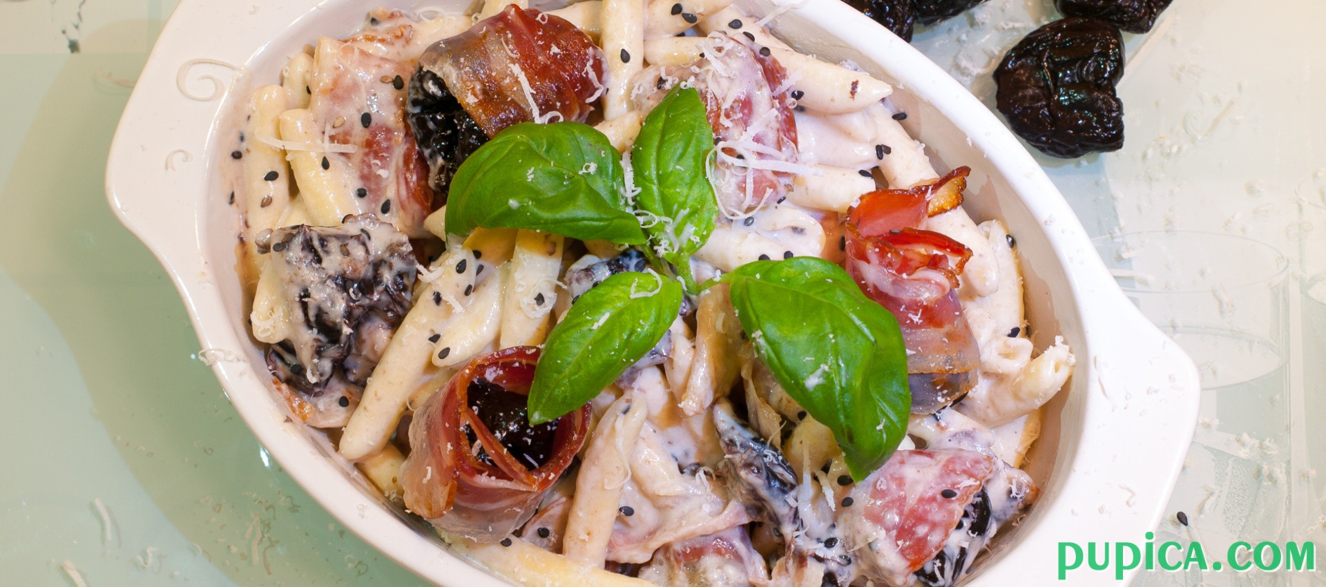 Creamy Pasta with Plums and Bacon